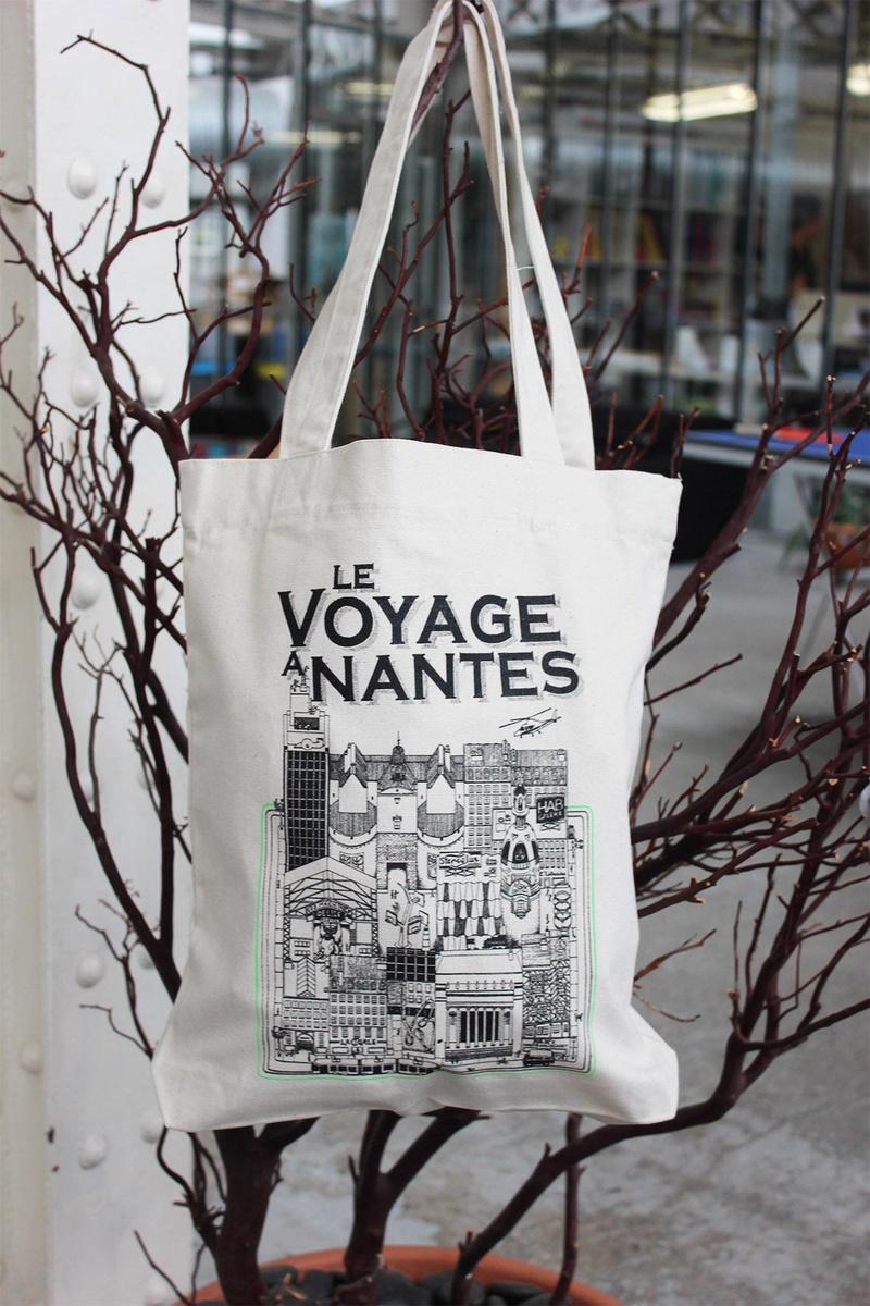 TOTE BAG LVAN LE VOYAGE A NANTES Docteur Paper TOURISME NANTES Nantes City ILLUSTRATION